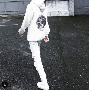 THE EARTH HOODIE - WHITE